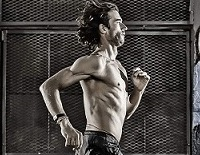Rich-Roll-Yoga-Better-Athlete200